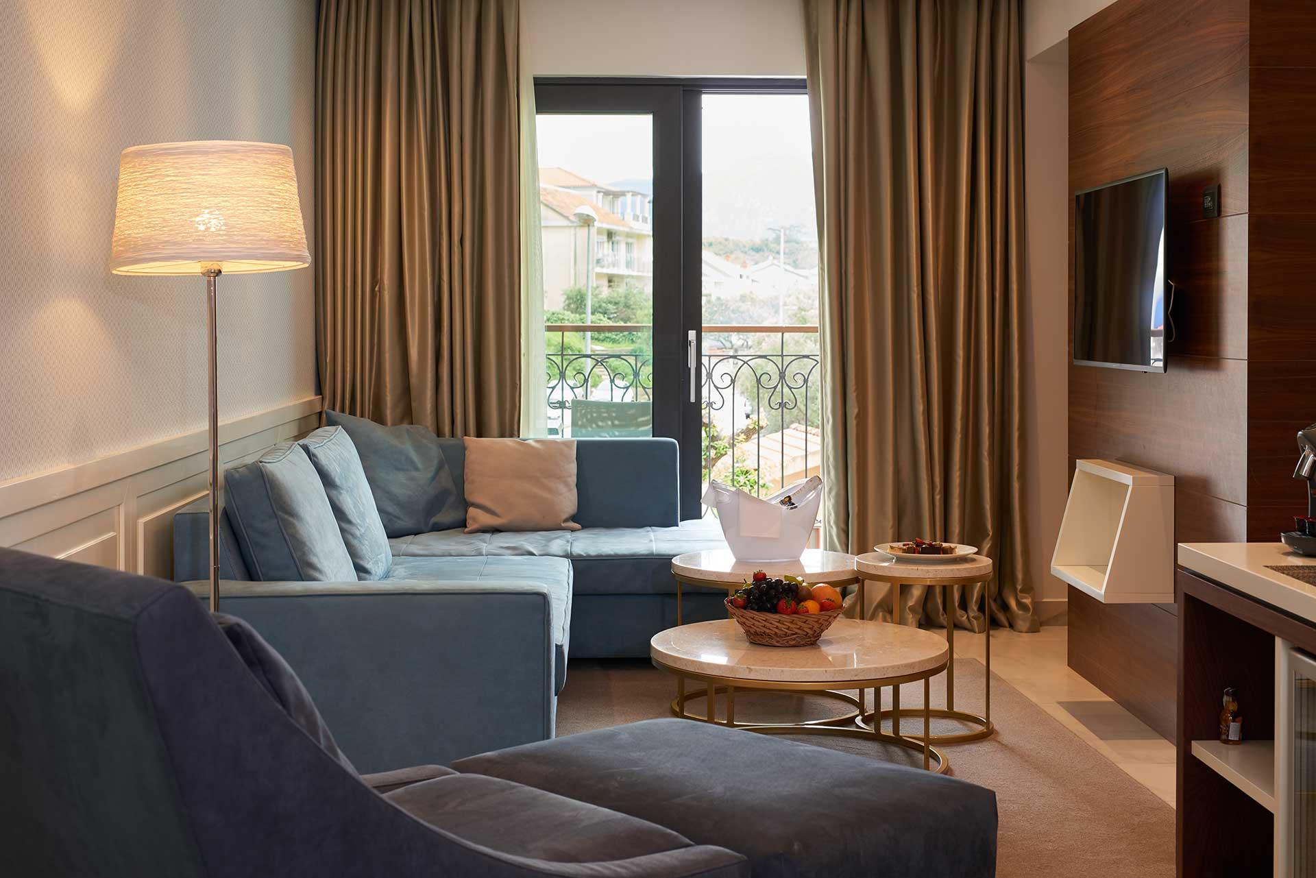 Huma Kotor Bay -Honeymoon Suite